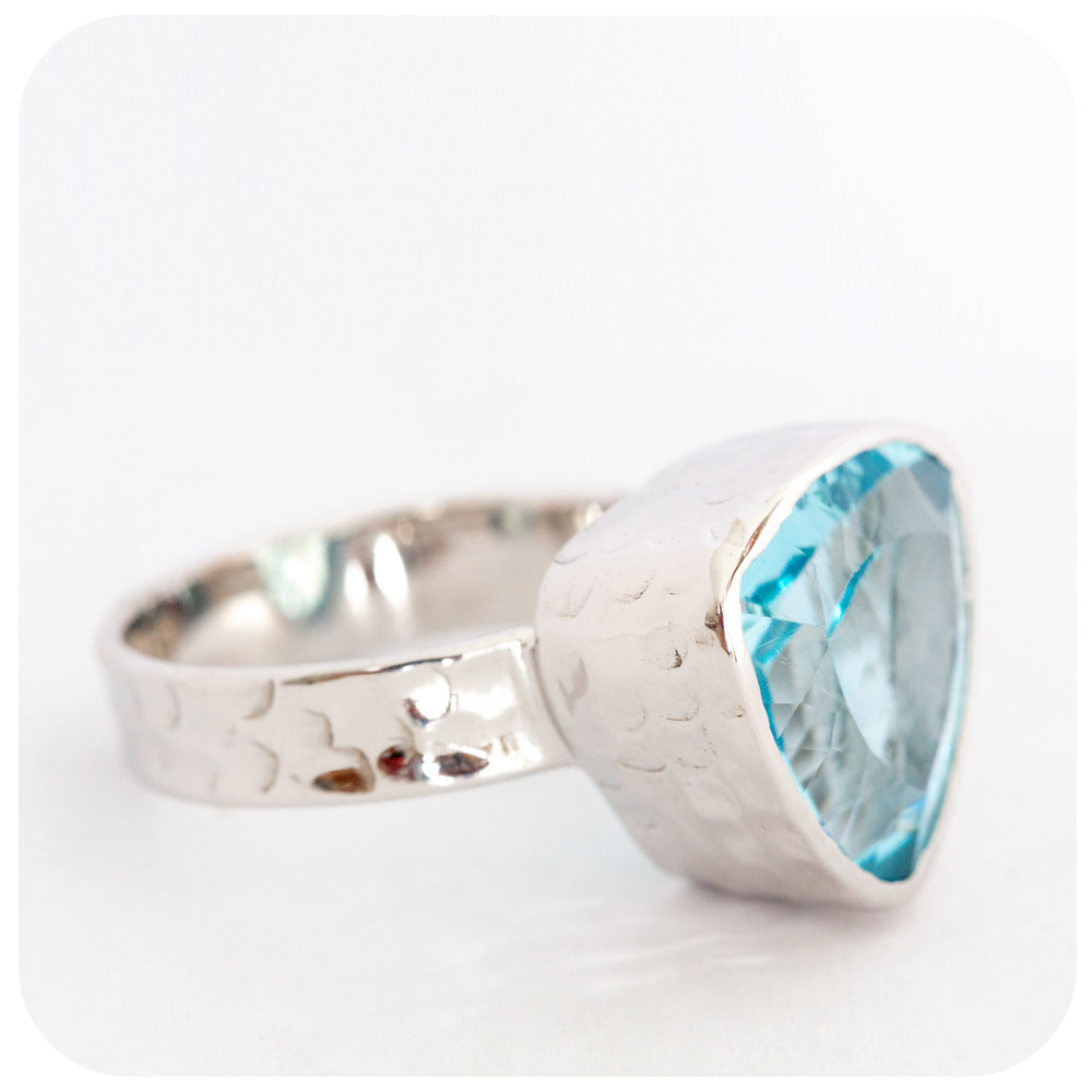 Spectacular large Trilliant Cut Sky Blue Topaz Ring in Sterling Silver - Victoria's Jewellery