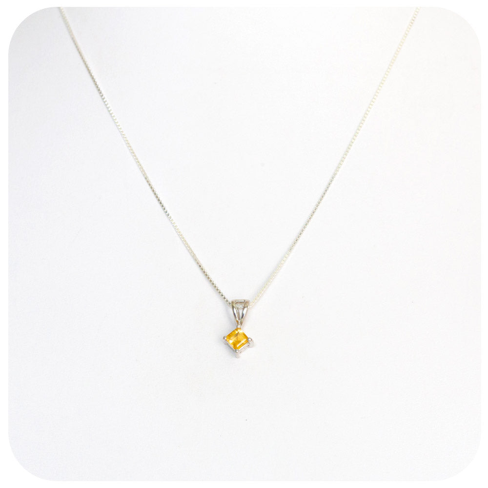 Princess cut Citrine Pendant in Sterling Silver - 5mm
