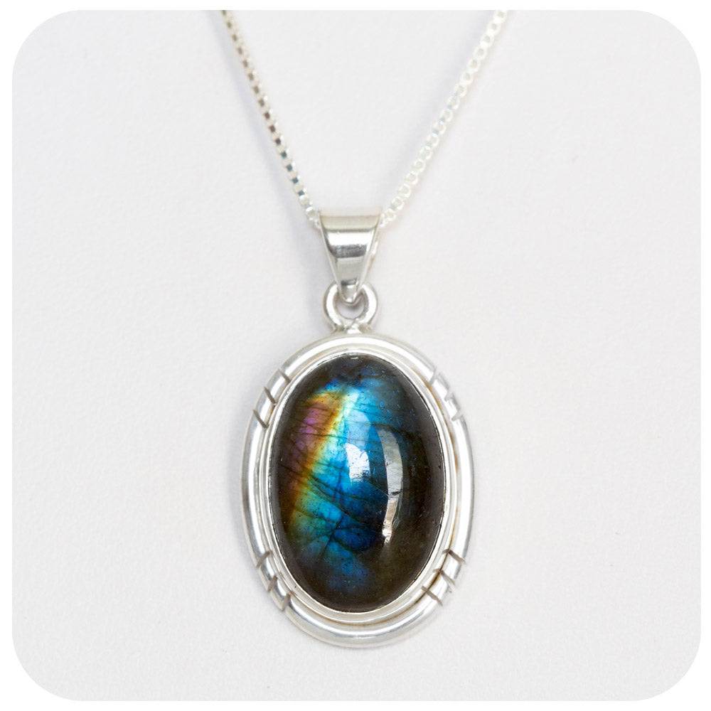 Oval cut Labradorite Pendant in Sterling Silver - 18x13mm