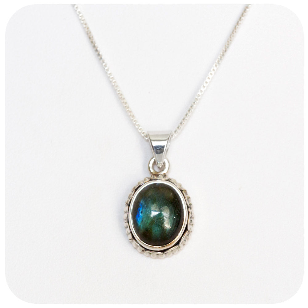 Oval cut Labradorite Pendant in Sterling Silver - 12x10mm