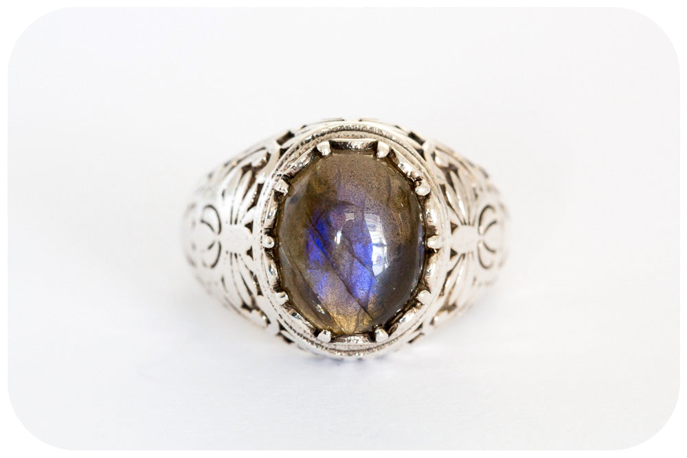 Ornately Made Sterling Silver Ring with Cabochon cut Labradorite In 925 Sterling Silver - Victoria's Jewellery