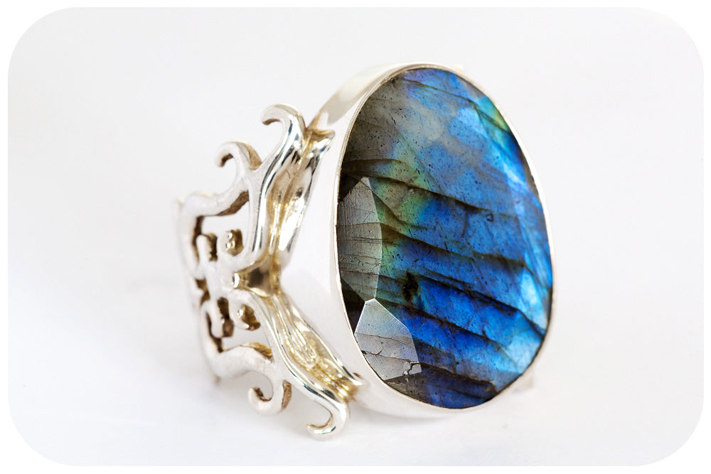 Oversized Oval Cut Labradorite Ring Hand Made in 925 Sterling Silver - Victoria's Jewellery
