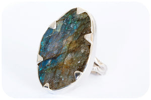 Rough cut 46 carat Hand Made Labradorite Ring in 925 Sterling Silver - Victoria's Jewellery