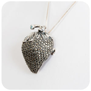 Versatile and Super Sparkly Strawberry Brooch or Pendant in 925 Sterling Silver and Marcasite - Victoria's Jewellery