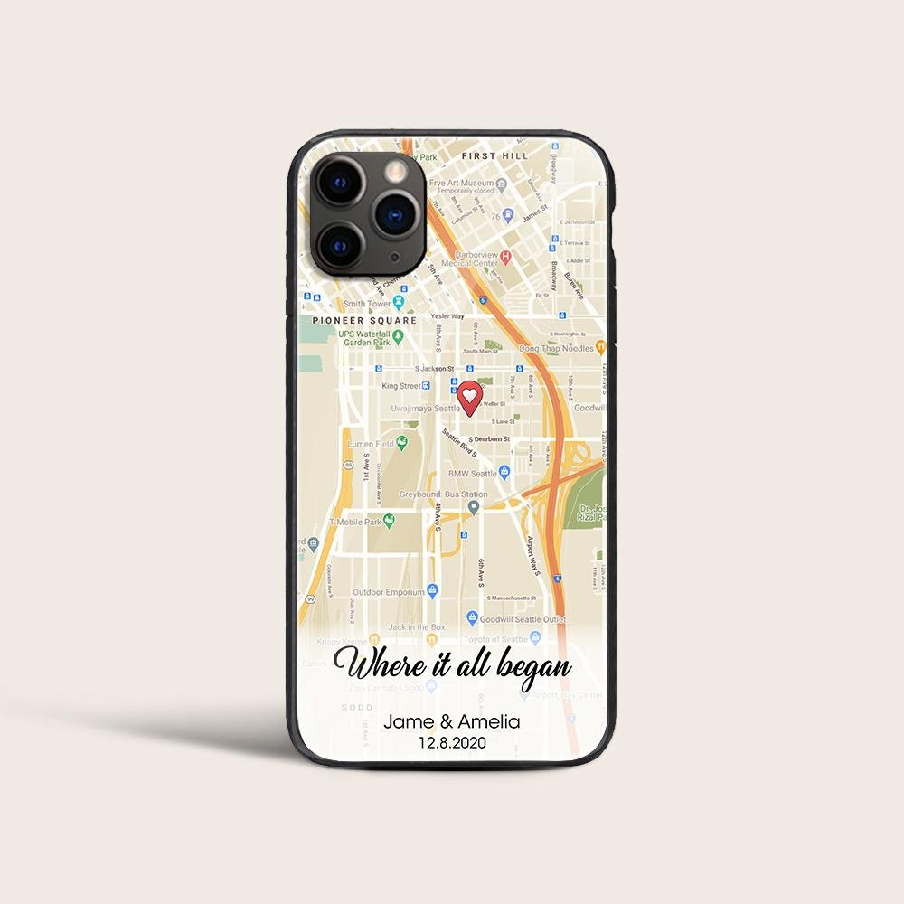 The time you first fell in love with each other is always an unforgettable moment. This phone case printed with your location and sweet words encapsulates all your feelings and memories to remind you and your partner of this first met, which surely will make his heart flutter again.
