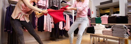11 Thoughts We All Have During Sale Shopping