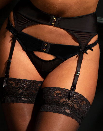 Contradiction by Pour Moi Hook Up Thong Black