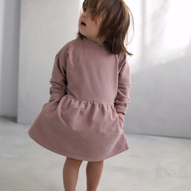 Oversized Kleid in powder