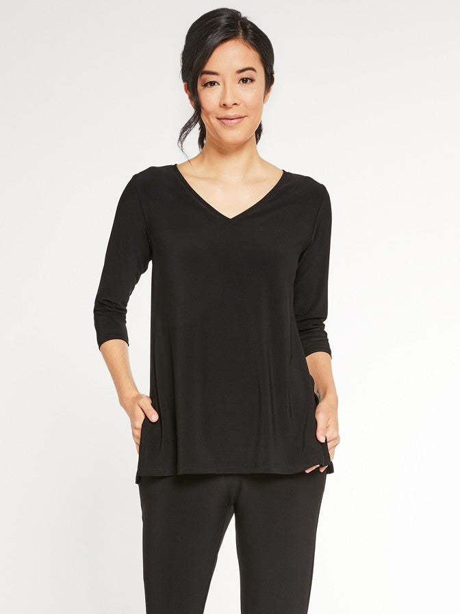 Sympli Go To V-Neck Relax in Black