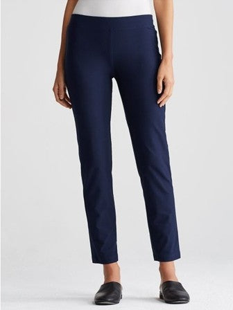 Eileen Fisher Slim Ankle Pant in Midnight
