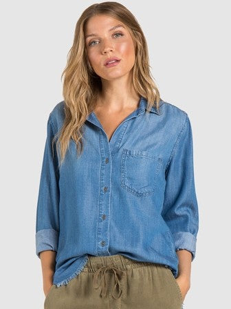 Bella Dahl Fray Hem Pocket Shirt in Well Worn