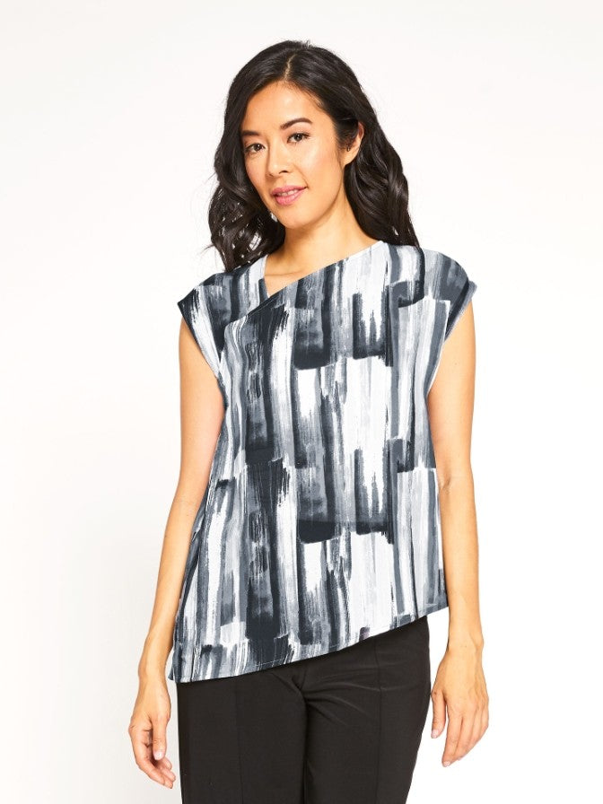 Sympli Short Sleeve Slant Top in Brushstroke