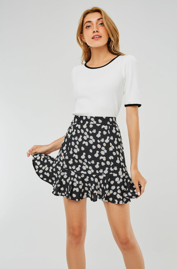 High-Waist Daisy Floral Mini Skirt
