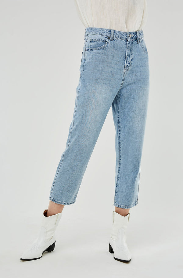 High-Waist Relax-Fit Cropped Jeans