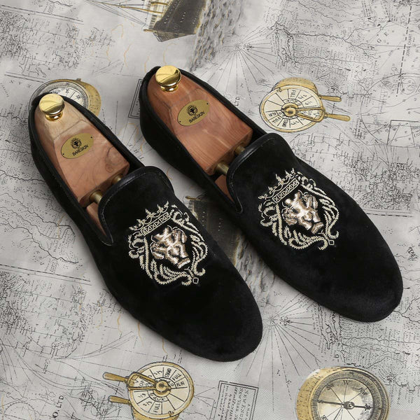 Mild Gold Bareskin Lion Zardosi Black Velvet Slip-On