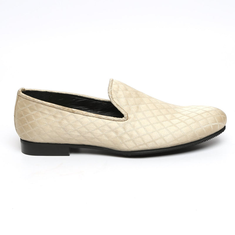Dove Color Diamond Cut Pattern Slip-ons by BARESKIN