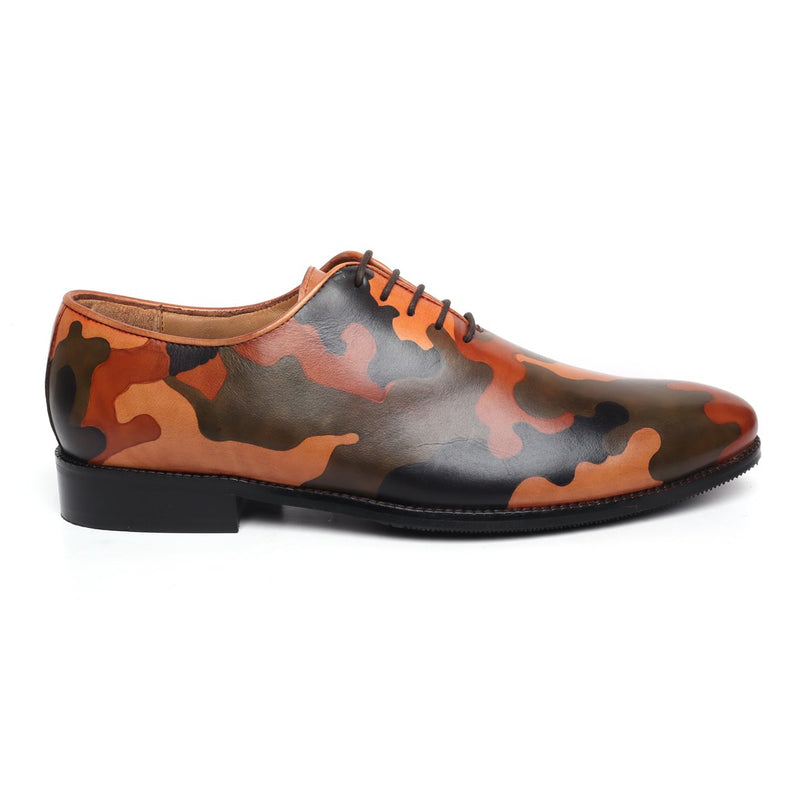 Hand painted ARMY colors on leather one piece(whole cut) brogue shoe.