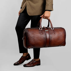 ELEGANT COMBO OF HAND WEAVED LEATHER DUFFLE BAG AND SIDE STITCHED OXFORD SHOES