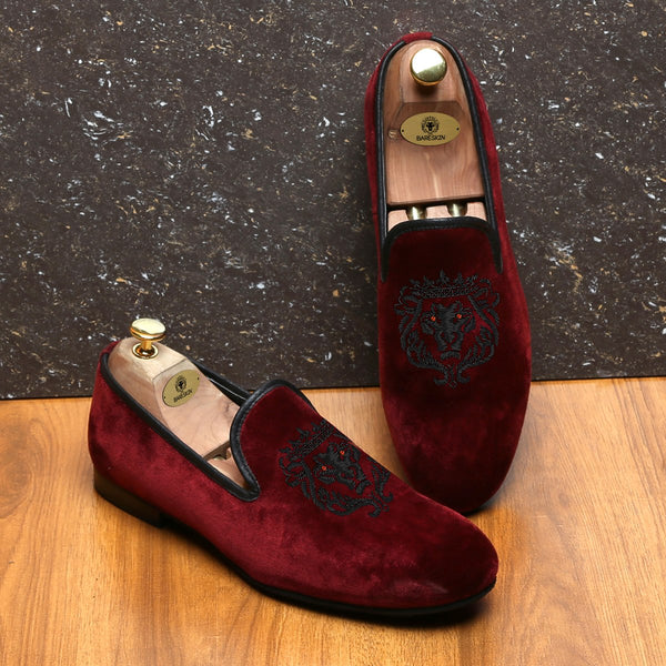 Red Velvet Black Lion Zardosi Slip-on by BARESKIN