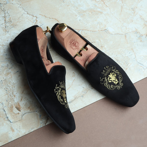 New Sleek Look Lion King Embroidered Velvet Slip-On By BARESKIN