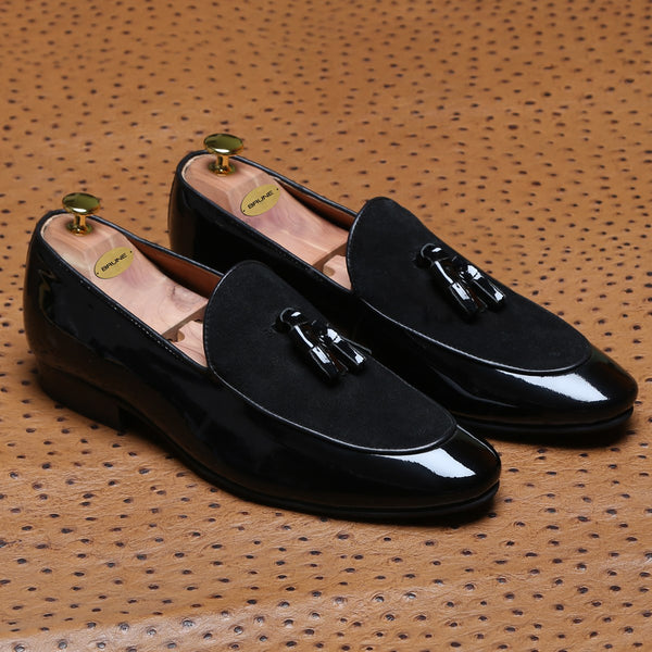 Black Glossy/Suede Leather Apron Toe Tassel Slip - On Shoes By Brune