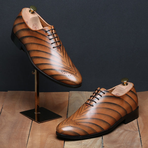 TAN TIGER STYLED SINGLE PIECE LEATHER OXFORDS BY BRUNE