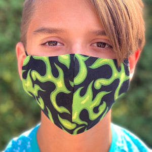 Masque noir avec flammes vertes- Black face mask with green flames