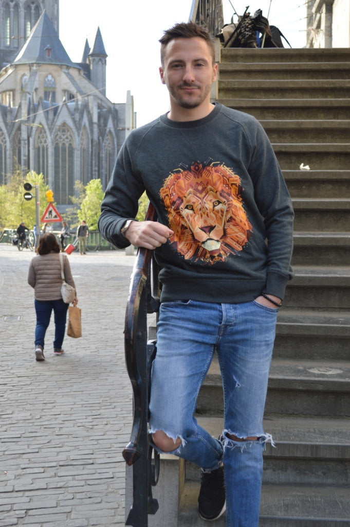 Lion Sweater - Exclusive!