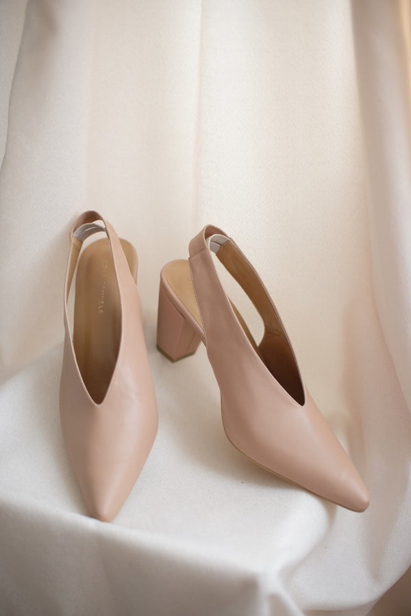 Pointy Vneck Heels in True Nude