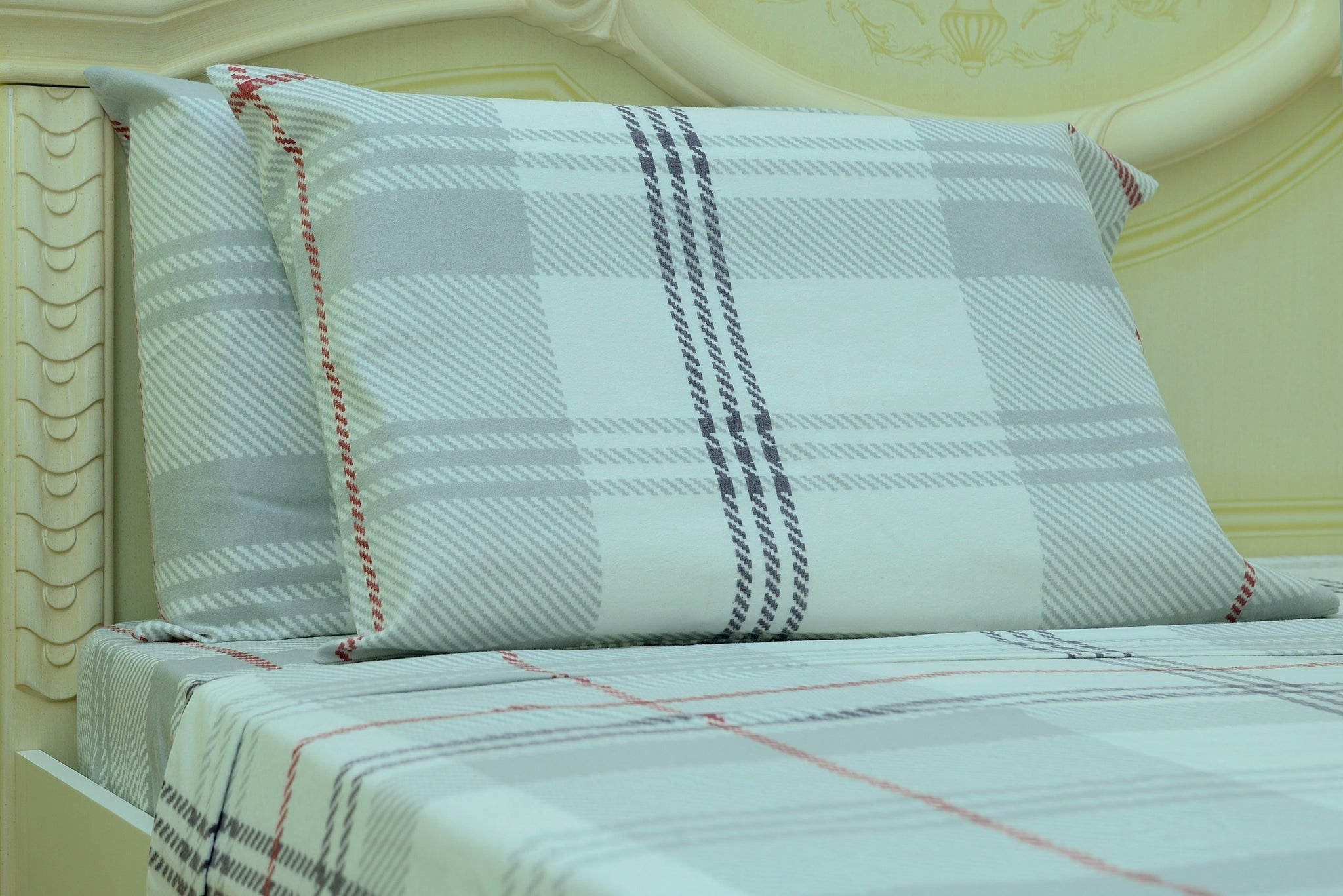 Flannel Flat Sheet - %100 Cotton, Brushed, Top Sheet - White Plaid - Queen Size