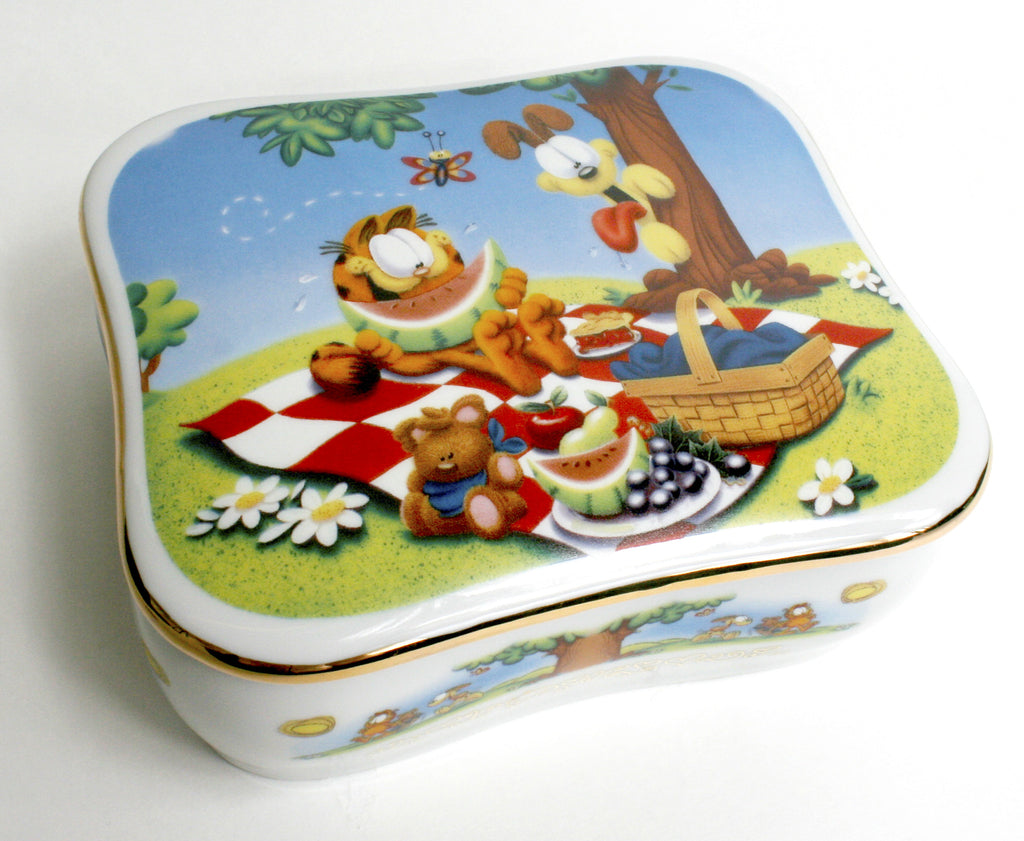 "Garfield ""Summertime"" Music Box"