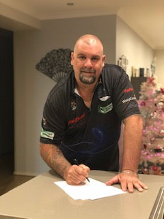 Mal Cuming signs with Loxley Darts