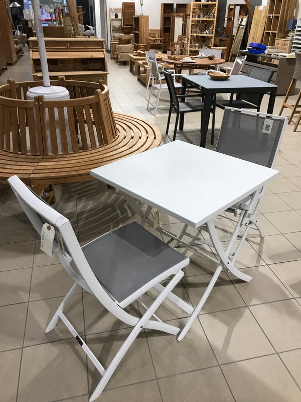 Table alu blanc