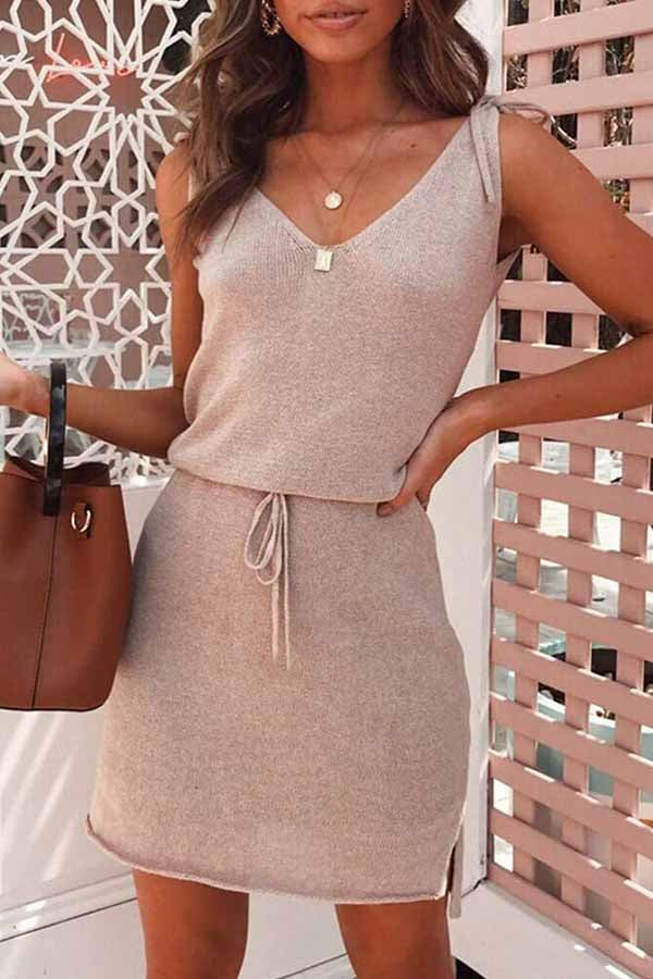 Sleeveless Solid Color V Neck A-Line Dress