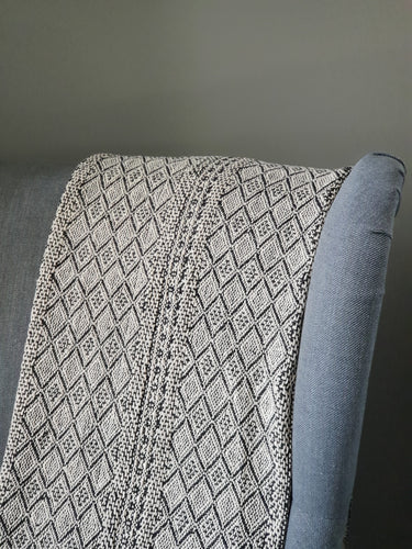 Natural/ Black Diamond Print Throw