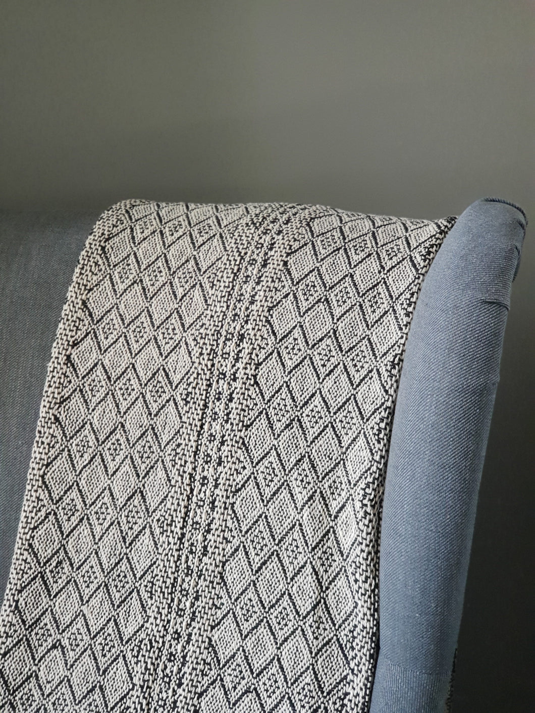 Liv Interior Natural/ Black Diamond Print Throw