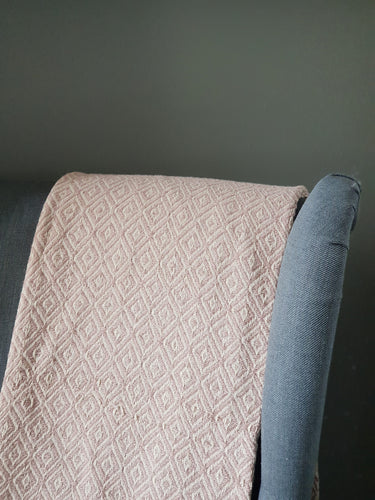 Mauve/ Ecru Diamond Throw