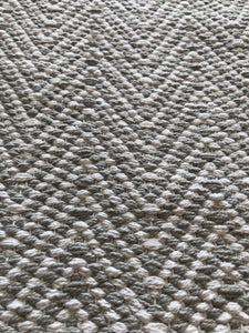Liv Interior Grey/White Zigzag Runner