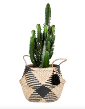 Load image into Gallery viewer, Sass & Belle Seagrass Tribal Pattern Tassel Basket