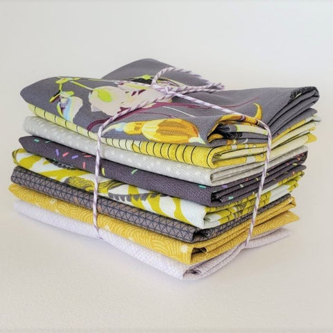 Staff Picks Bundle - 8 Fat Quarters - Garden wall