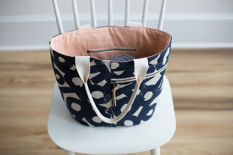 Noodlehead Pattern by Anna Graham - Crescent Tote