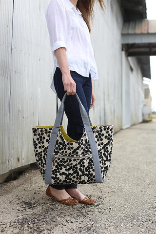 The Noodlehead Poolside Tote Workshop - Thursday April 2 9:30 - 3:30