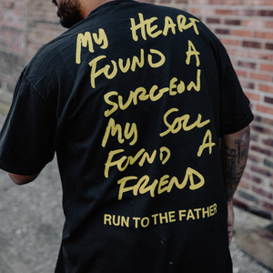 RUN TO THE FATHER - UNISEX SHIRT