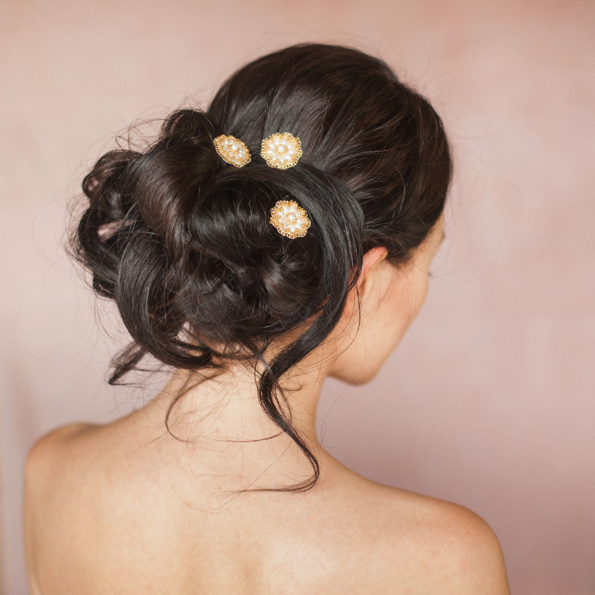 Aimee gold wedding daisy hairpins