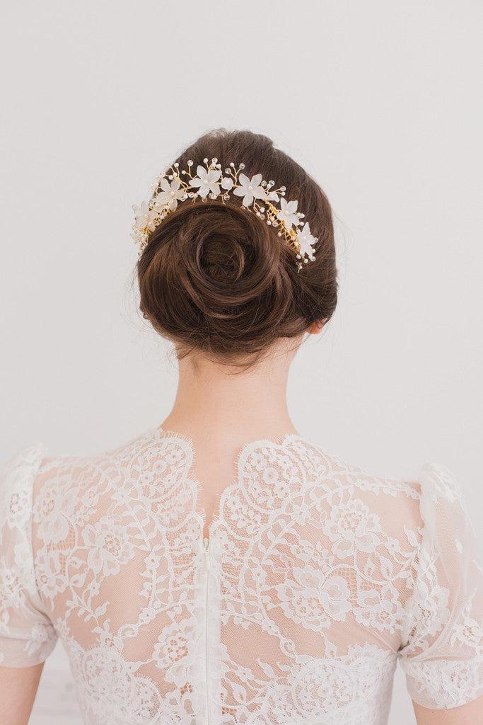 Bridal hair vines by Britten Weddings