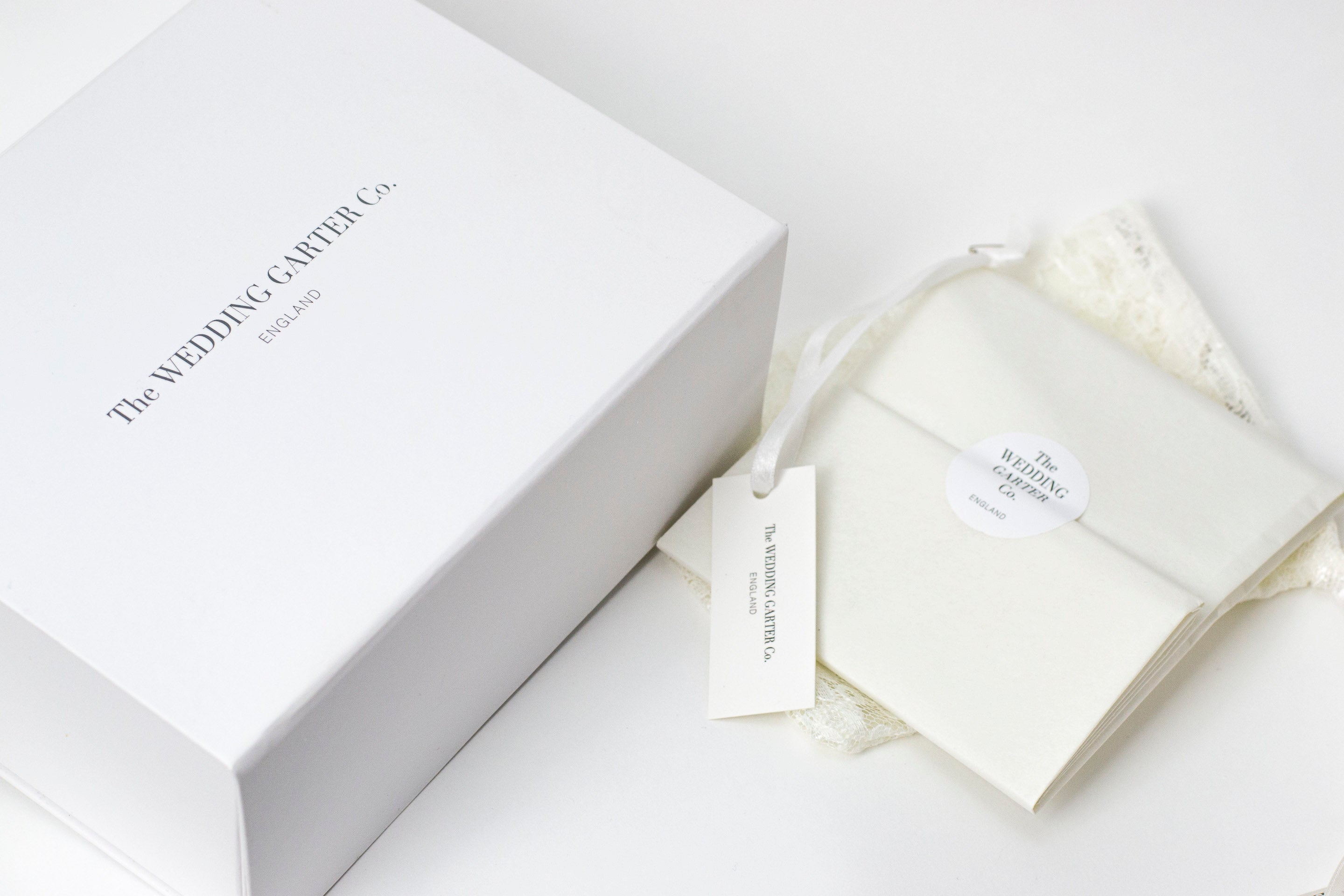Luxurious wedding garter packaging