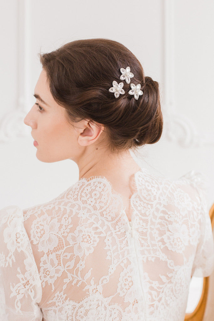 Bridal hair pins by Britten Weddings
