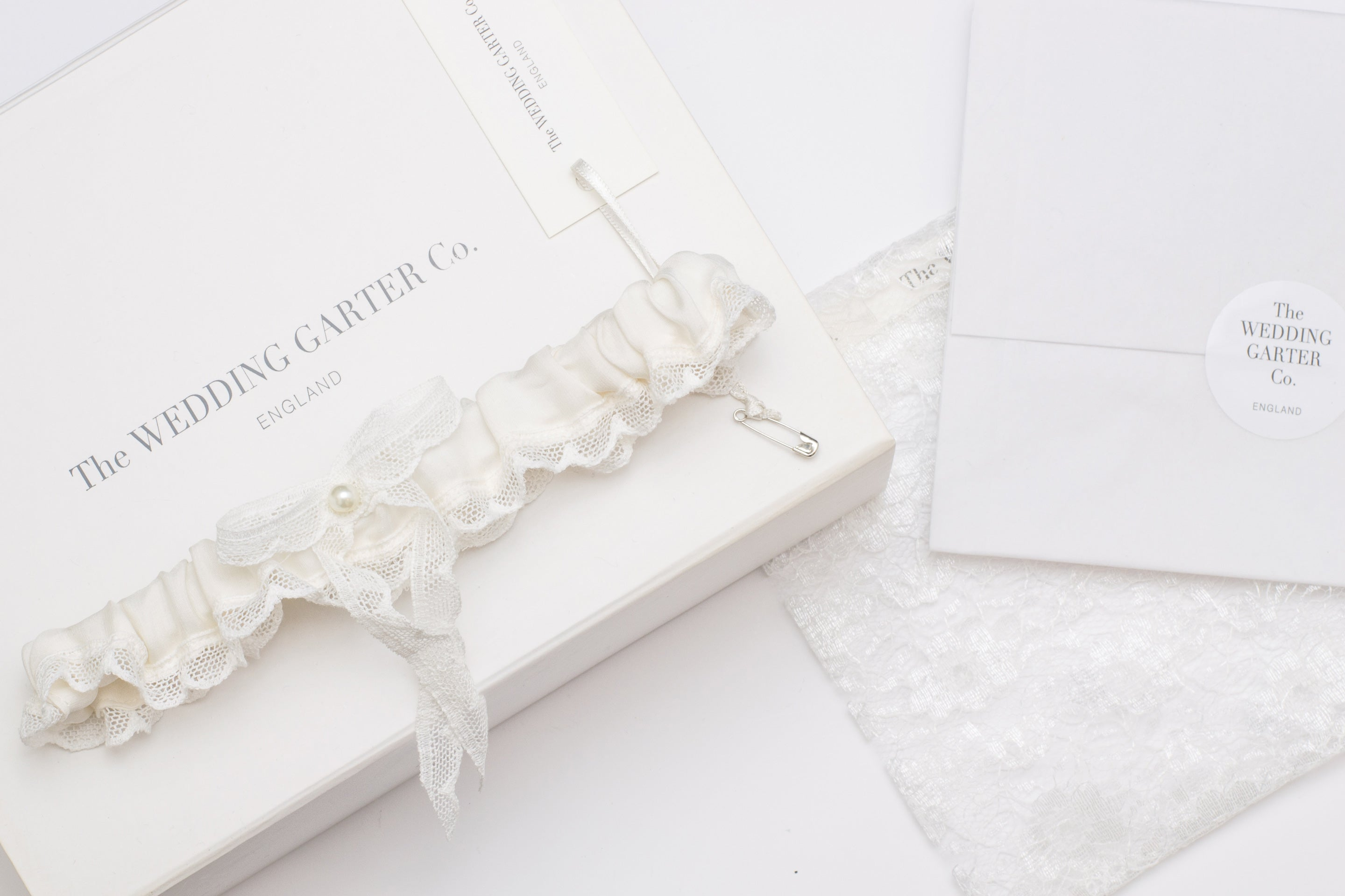 Ivory Demi silk and lace wedding garter