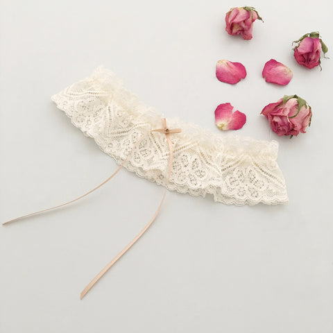 champagne coloured lace garter