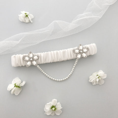 luxury silk garter with pearl chain